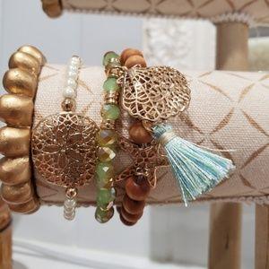 Jewelry - NWT 3 Beaded Pearl Green Gold Wood Starfish Shell